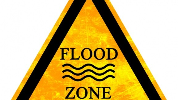 caution flood zone sign